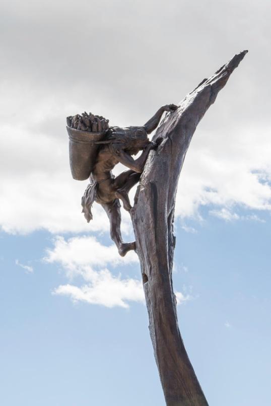 Cliffdweller statue