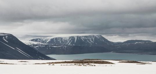 Glacier 2 lake